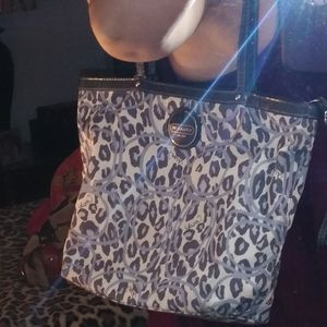 Gray animal print zipper purse